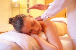 Jak vybrat kosmetická a masážní lehátka?